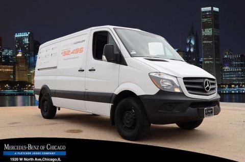 New Mercedes-Benz Sprinter Cargo Vans Worker